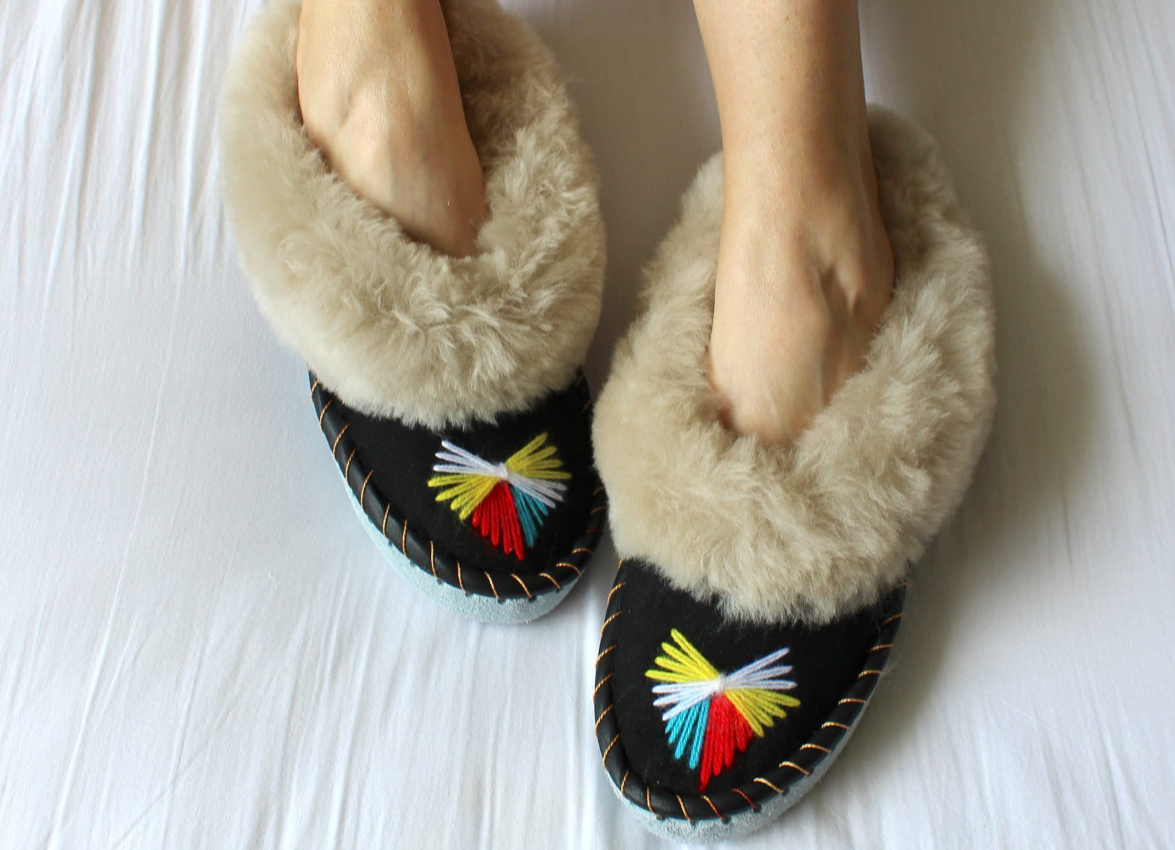 ONAIE Ash Sheepskin Slippers