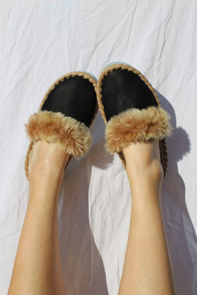 Cosy Days at Home - ONAIE Sheepskin Mules