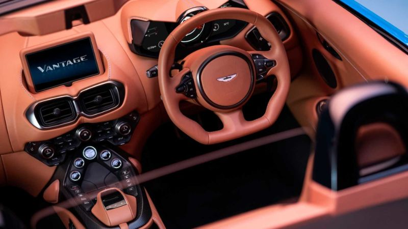 Aston MartinVantage Roadster