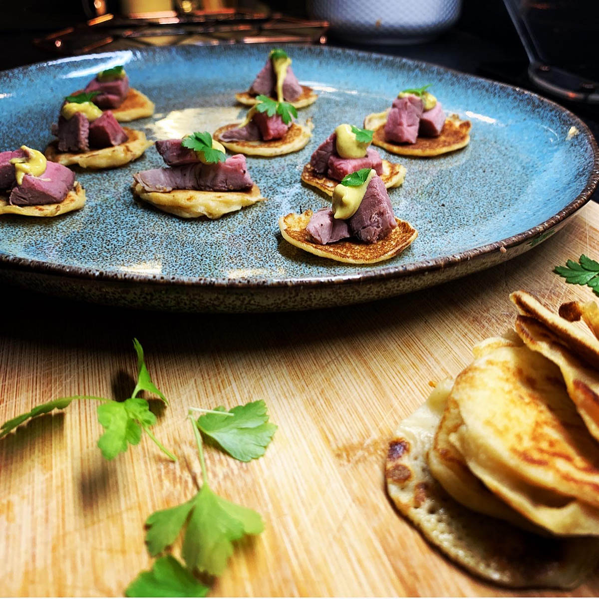 Beef blinis