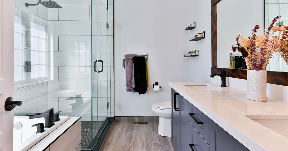 4 top Ways to Update a Rental Bathroom