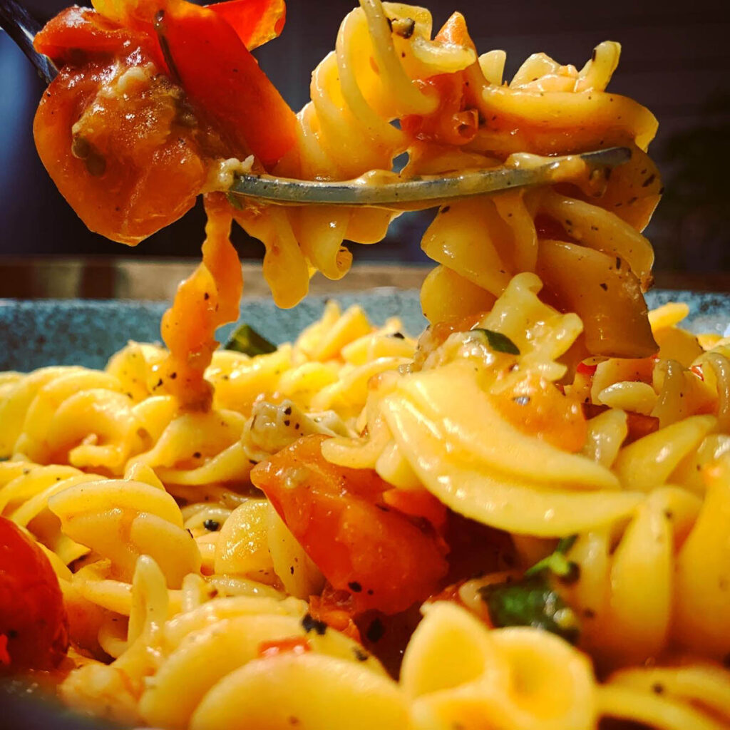 Tomato and Smoked Mozzarella Pasta