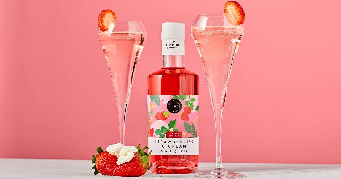Strawberries and cream Gin Liqueur